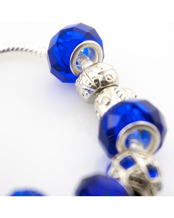 Браслет в стиле Pandora – современная экспрессия, отражение королевского шика и невероятная яркость синего