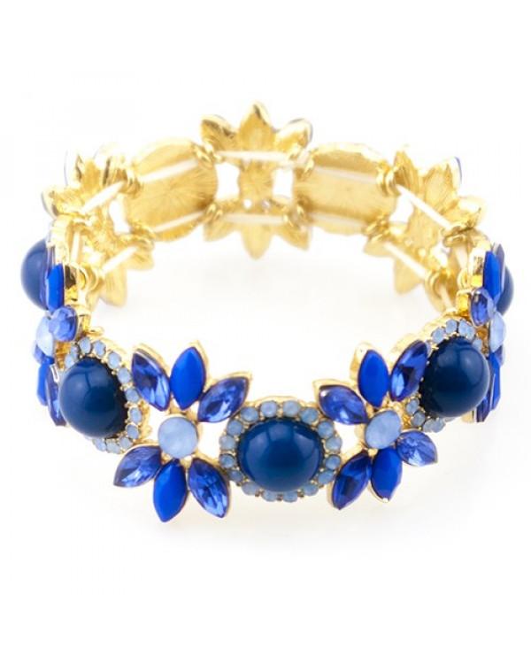 Синий браслет Diva Style – это естественность синих цветов и волшебные круглые камни викторианской эпохи