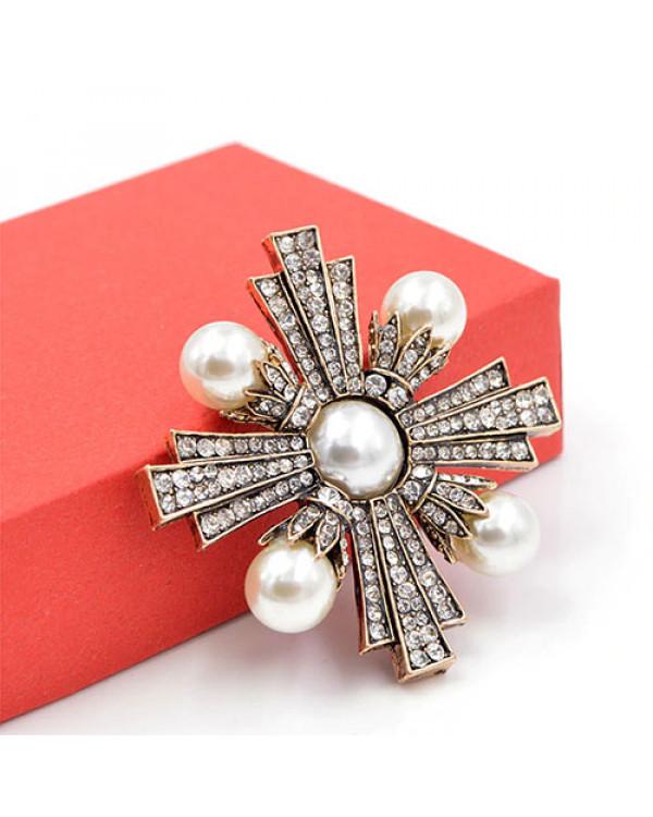Брошь с жемчугом Мальтийский Крест - модная винтажная бижутерия недорого
