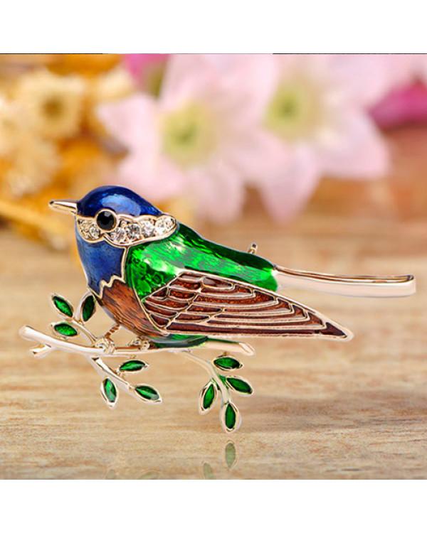 Хотите купить оригинальную брошь с эмалью Птица на ветке? Она прекрасна и стоит недорого!