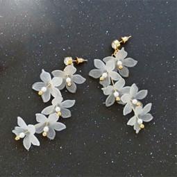 Серьги длинные Цветы, белый