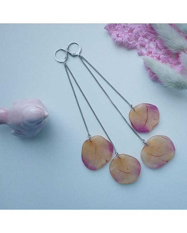 Купить Дизайнерскую бижутерию просто. Серьги трансформеры Розы из лепестков живых растений.
