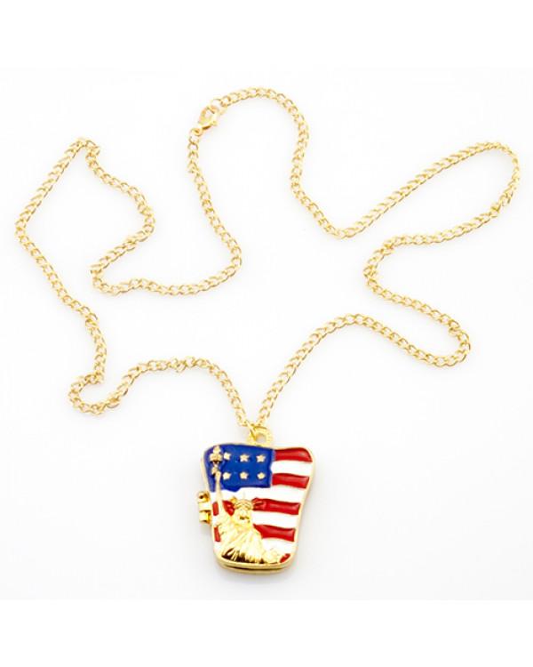 Только посмотрите на кулон открывающийся на цепочке USA – в нем  современность и свобода
