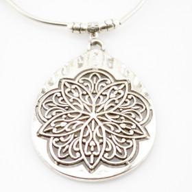 "Кулон на ожерелье ""Pendant silver pattern"""