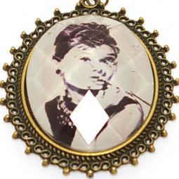 "Кулон медальон на цепочке ""Одри"""