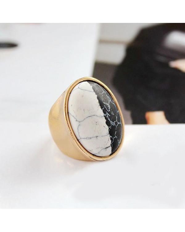Кольца с мрамором - модная бижутерия кольца. Будь в тренде с Сорока.Ми