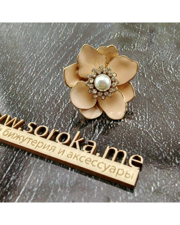 Коктейльное кольцо Цветок - пудрово розовое кольцо бижутерия от брендового магазина Soroka.me