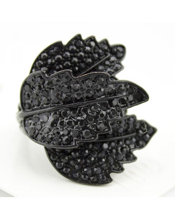 Черное кольцо с камнями Флора