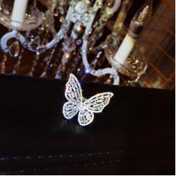 Кольцо бабочка циркон