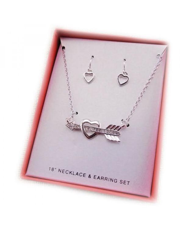 Дарить кулоны для влюбленных очень приятно – такие подарки для женщин оцениваются!